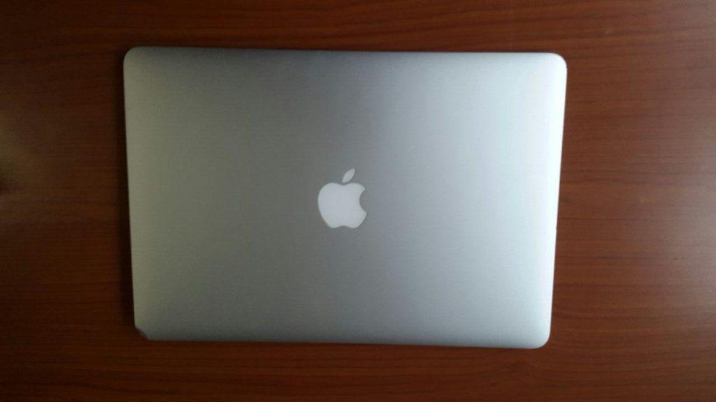 """Afia Kwakyewaa Owusu-Nyantakyi's 13"""" MacBook Air"""